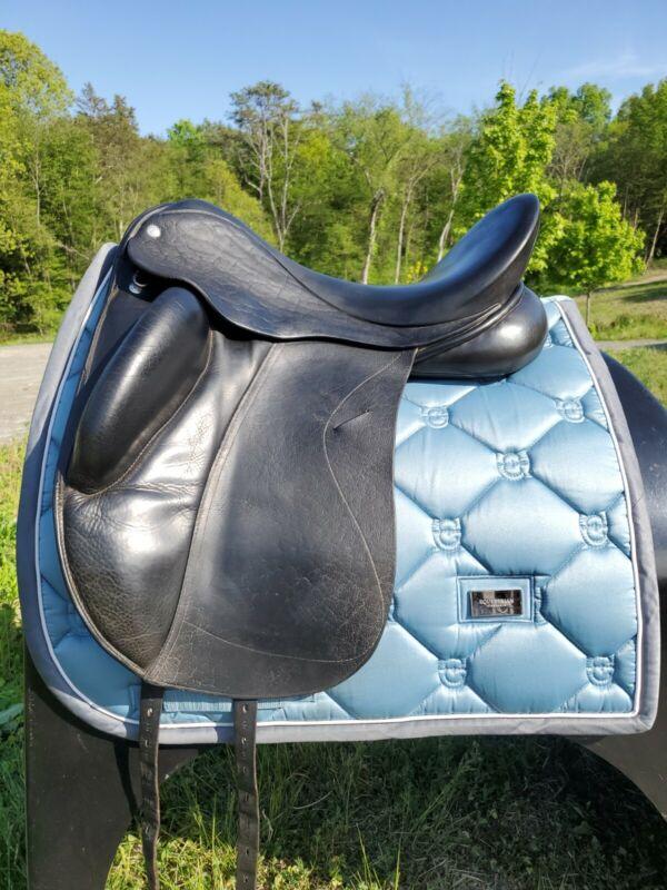 Wolfgang Solo Custom Dressage Saddle