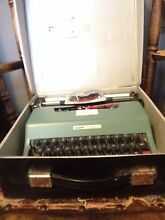 Gorgeous working vintage type writer West Leederville Cambridge Area Preview