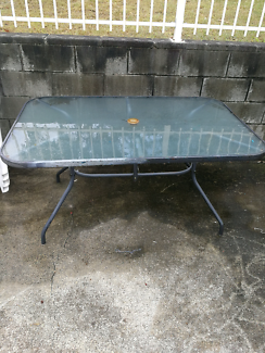 Outdoor table/glass