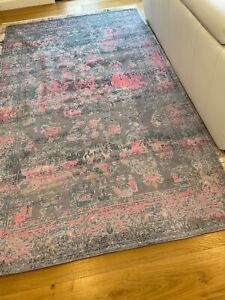 Stunning Chenille and Cotton Rug