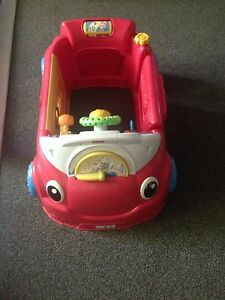 Fisher price laugh and learn crawl around car Wickham Newcastle Area Preview
