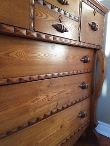 Beautiful Antique Chest of Drawers Kitchener / Waterloo Kitchener Area image 7