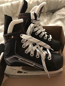 Brand new Bauer Vapor X300 Youth Skates