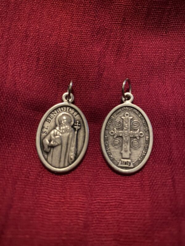 Catholic holy blessed medal st Benedict holy cross on back awesome detail Italy