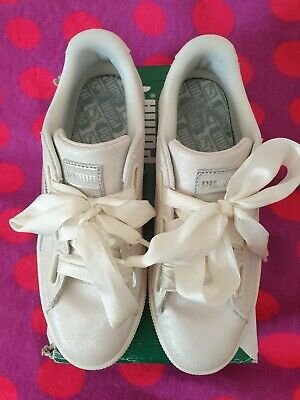 Puma  Basket Heart NS Womens white Trainers size 6/39 Used