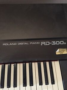 Full size Roland Keyboard