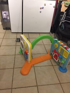 Infant/toddler learning toy