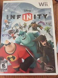 Wii Disney Infinity game & chatacters