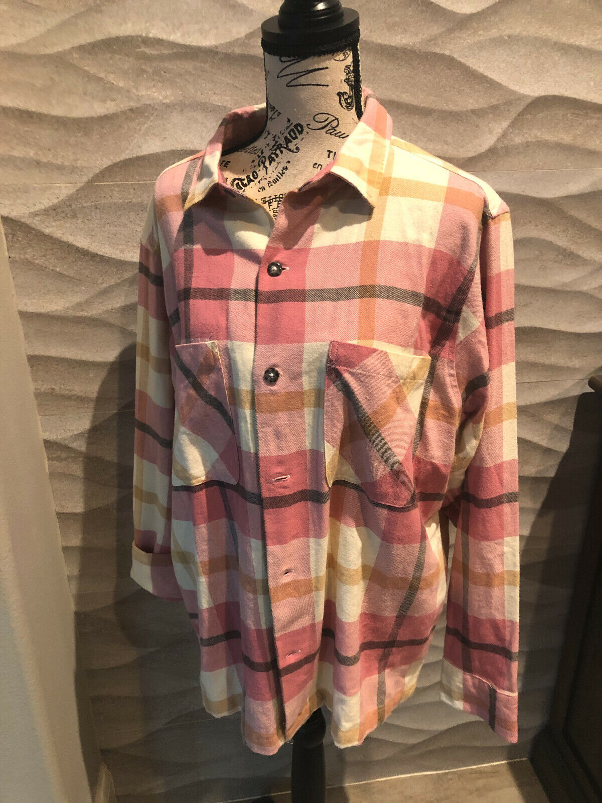 URBAN OUTFITTERS Women's Flannel Plaid Button Down Shirt -
