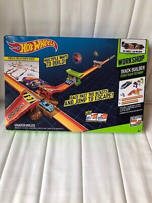 Hot Wheels Track Builder Stunt Ramp Kit Car Racing Set Over 10 Ft. Of Track