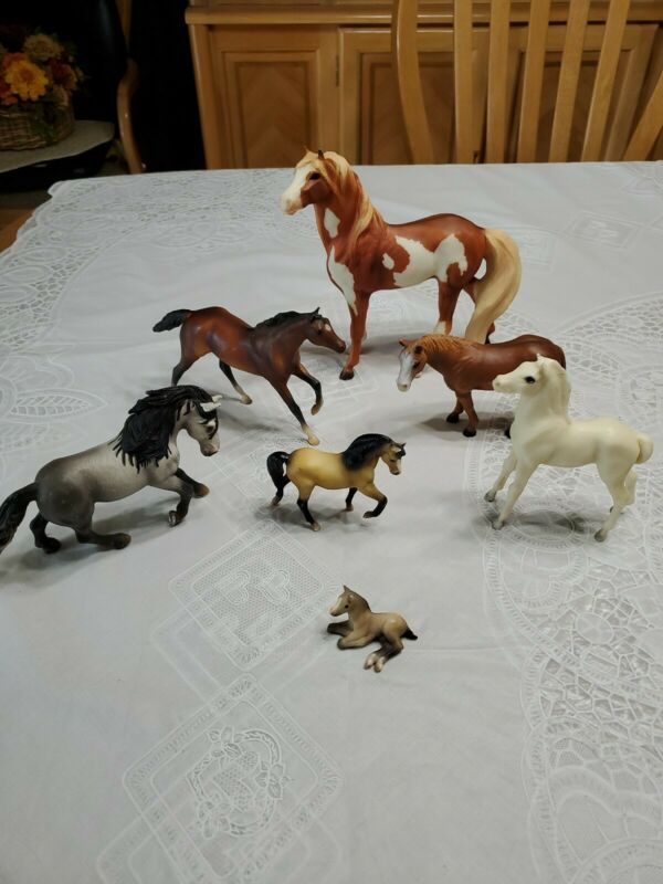 Mixed Lot of 5 Breyer and 2 Schleich Toy Horses