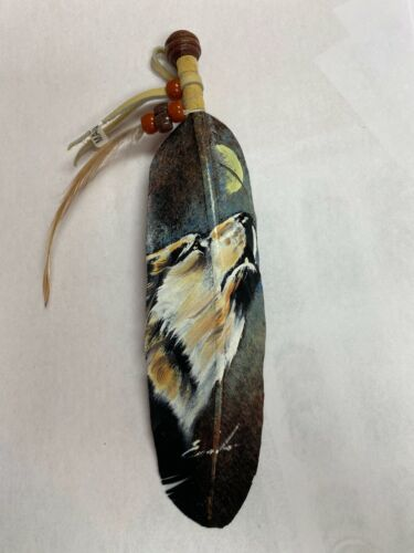 NEW HAND PAINTED FEATHER , ARTS & CRAFTS ,SOUTHWEST ART ,SIGNED , HOWLING WOLF
