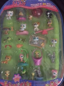 Selling littlest pet shop brand new