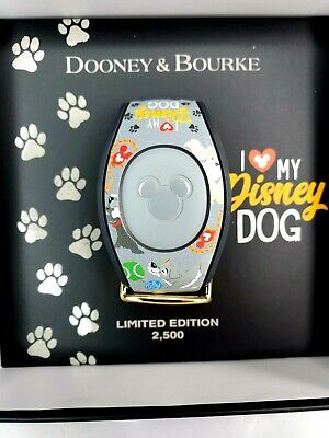Disney Parks Dooney Bourke I Love My Disney Dogs Magic Band Limited Edition 2500