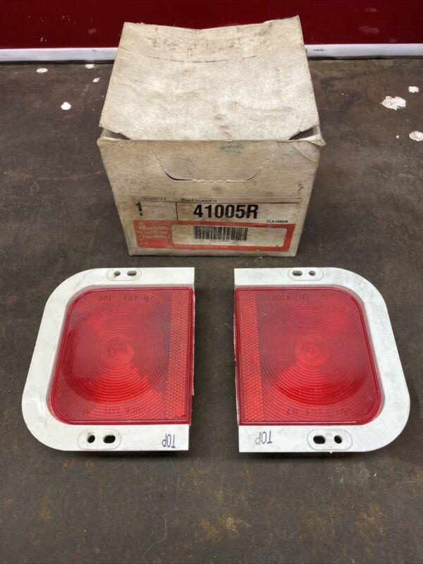 Truck-Lite  41005R Stop Tail Turn Roadside Lamp Light Kit Truck Trailer NEW