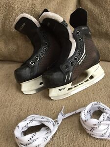 Kids hockey skates - size 12 youth.
