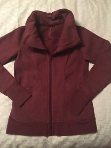 Burgundy Lululemon jacket - size 6 - perfect condition