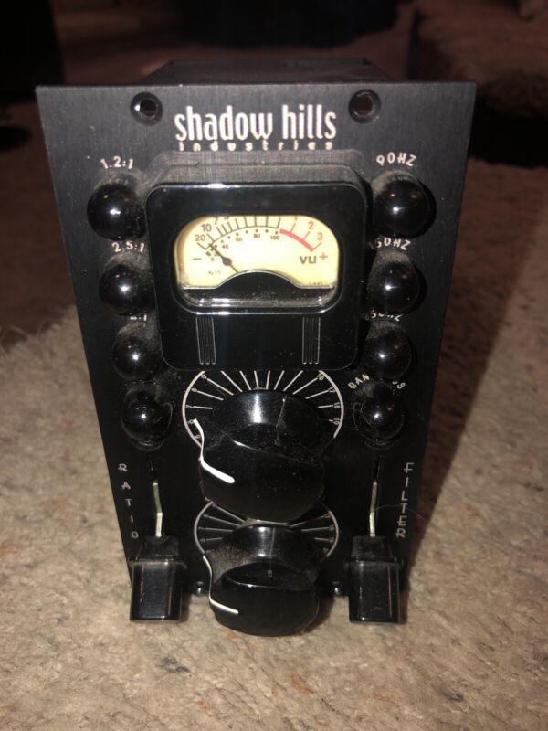 Shadow Hills Industries Dual Van Dergraph 500 Series Optical Stereo compressor.