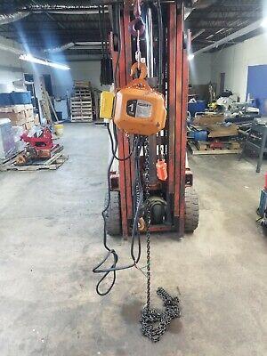 Accoloft 1 Ton Electric Chain Hoist 20 Ft Lift 460 Volts