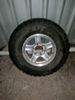 4WD wheel and tyre