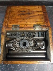 Vintage F. Armstrong Pipe Threader Die Set