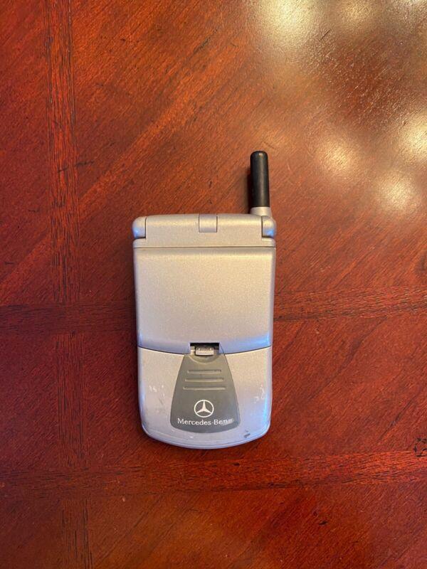 Mercedes Benz Motorola Timer port Flip Phone