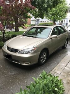 2006 Toyota Camry (snow tires included)