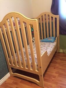 3-in-1 Safety First Convertible Crib