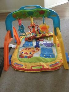 Tummy time mat and musical play gym Greta Cessnock Area Preview