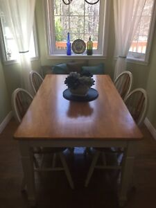 Solid wood kitchen table,4 chairs and bench