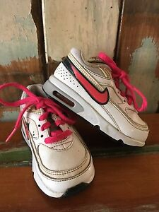 Girls size 6 Nike air max shoes Buccan Logan Area Preview