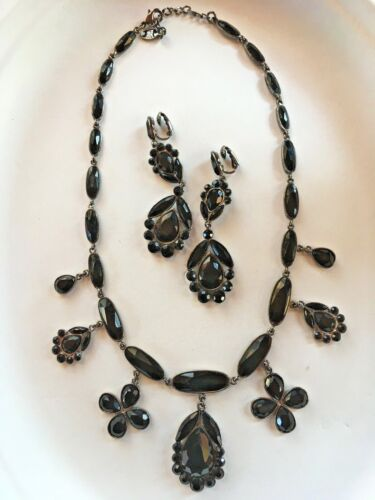 Dramatic Vintage Costume Fashion Necklace Black Jet-Look Earring Set