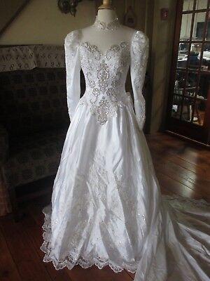 S8 Victorian vintage 1980s white satin puff-sleeve lace bead train wedding dress