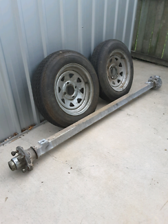 Boat trailer axle , hubs , rims an tyres