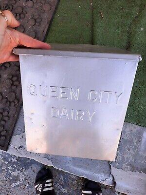 Vintage Milk Bottle Queen City Dairy Porch Box Cumberland MD