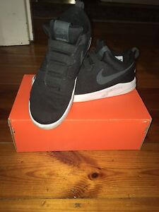 Men's Nike shoes RRP $160 Fitzroy Prospect Area Preview