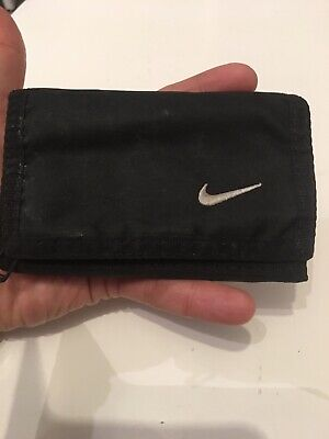 NIKE Gentlemans Black Canvas Trifold Wallet.
