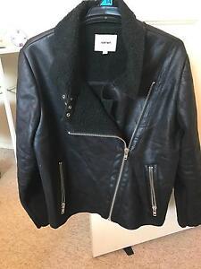 Black jacket Eight Mile Plains Brisbane South West Preview