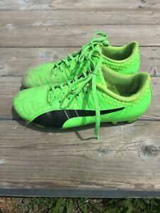 Free boys soccer cleats size 8 1/2