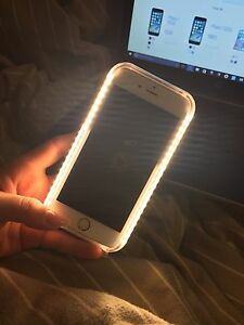 Like new IPhone 6, 16 GB with Lumee light case