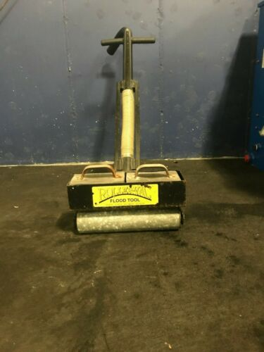 Original Roller-Vac Flood Tool