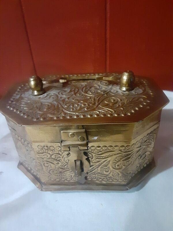 Vintage  Brass Octagon Footed Jewelry Trinket Box With Handle & Latch-Marked 45