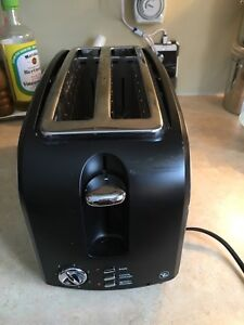 PC 4 Slice Toaster