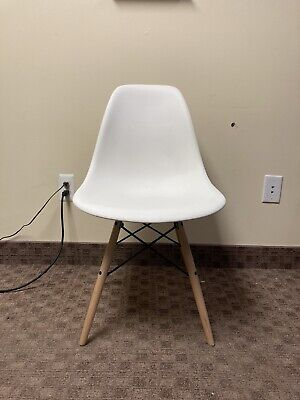 Authentic Herman-miller Eames Molded Side Chair