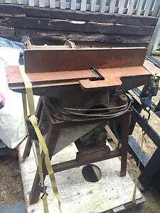 Cast iron jointer