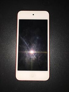 IPod Touch 5th Generation 8/10 32GB Red