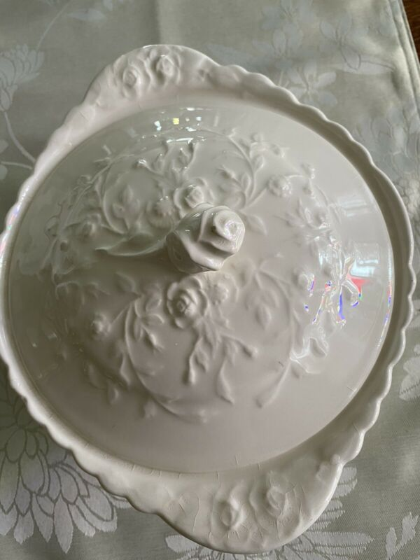"""9"""" Vintage Ivory Oval  Lidded  Bowl, Steubenville / Popegosser, Rose Point"""