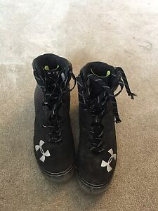 Under Armour size 13 Football cleats