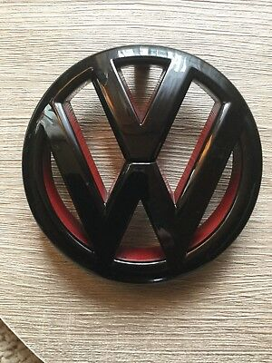 VW Golf 6 VI GTI Emblem in schwarz / rot hoch glanz R32 /GTI Zeichen gebraucht kaufen  Drackenstedt