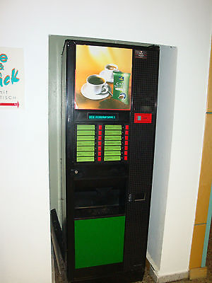 1 Heißgetränkeautomat von Servomat Steigler mit Münzwechsler